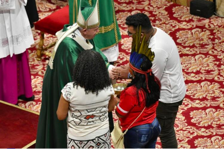 El Papa Francisco La Cia Y Las Iglesias Evangélicas En